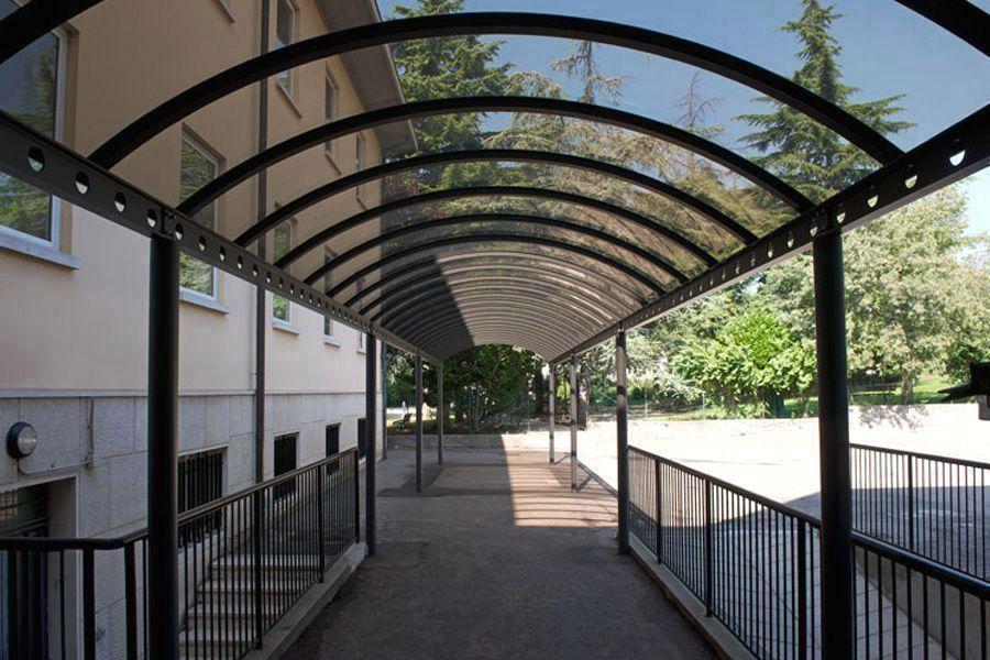 Монолитный поликарбонат для навесов